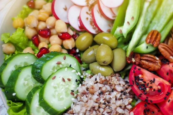 Houmous et bâtonnets de légumes